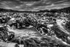 novice-moss-Great-Falls-in-Winter