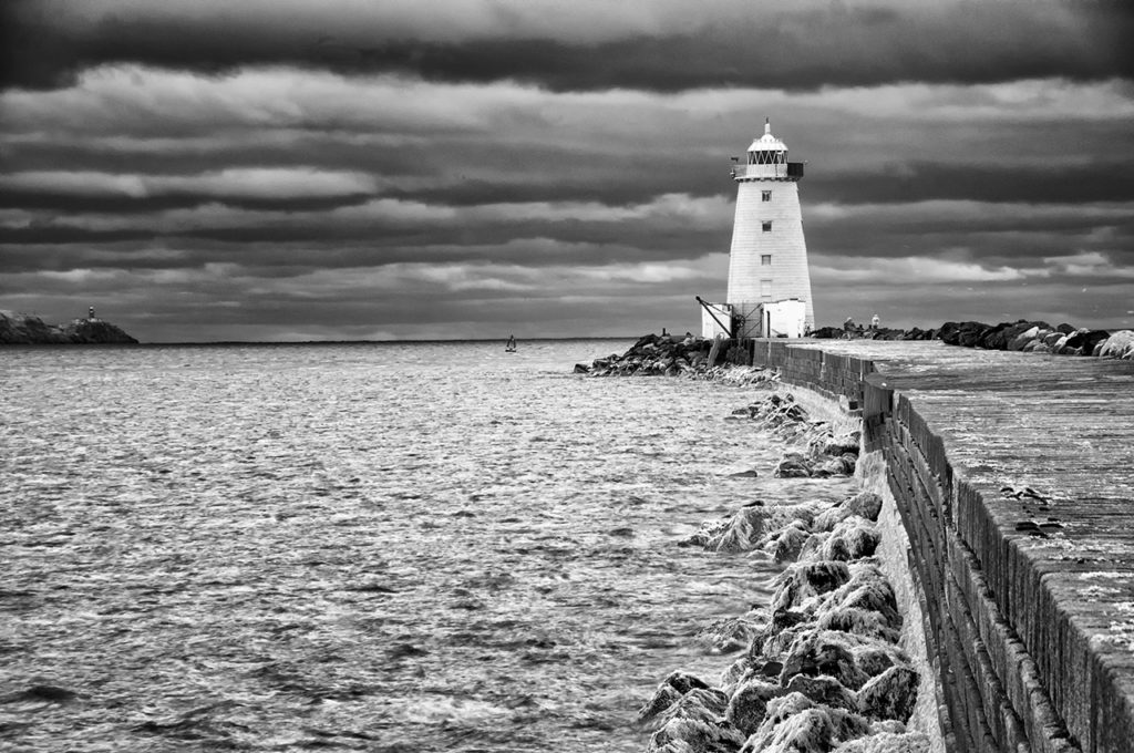 D90 IR 590nm-PoolBeg Lighthouse-0588-2013-11-21