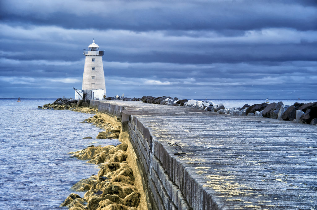 D90 IR 590nm-PoolBeg Lighthouse-0589-2013-11-21
