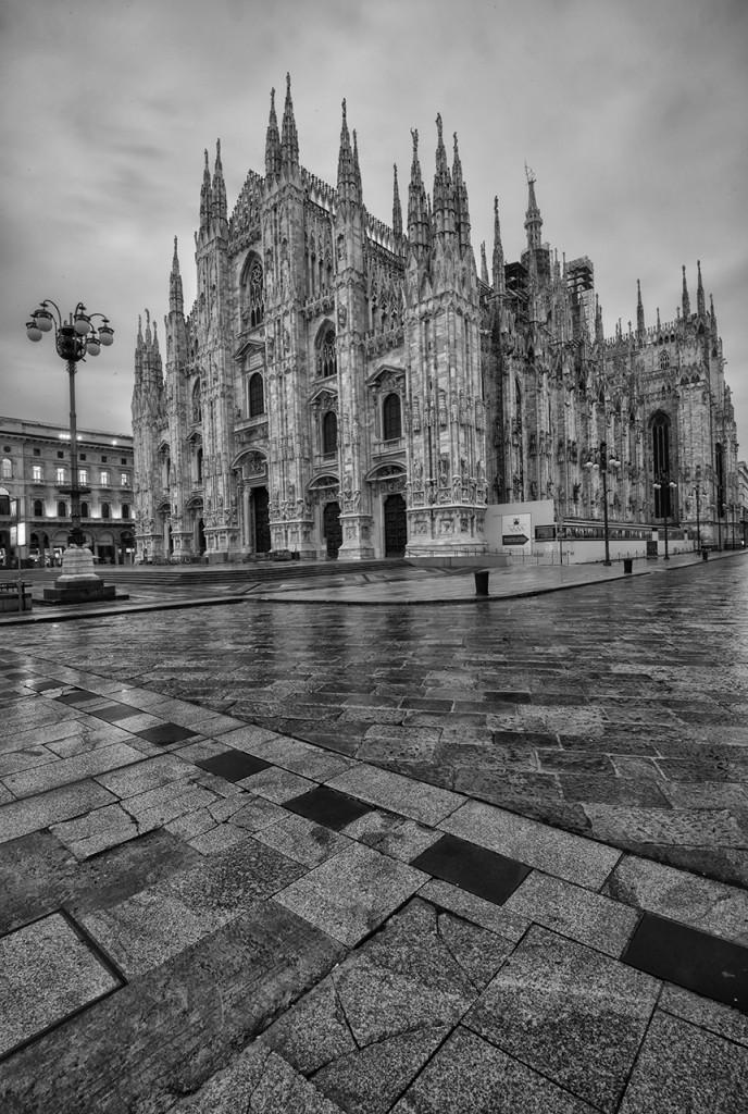 D800-Duomo Milan-0821-2014-02-26B&W